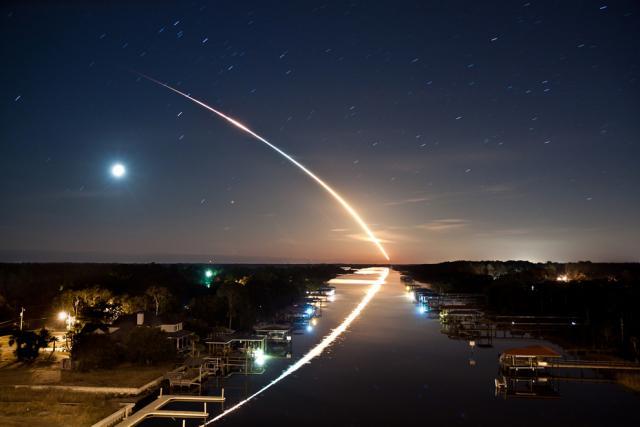 space thau